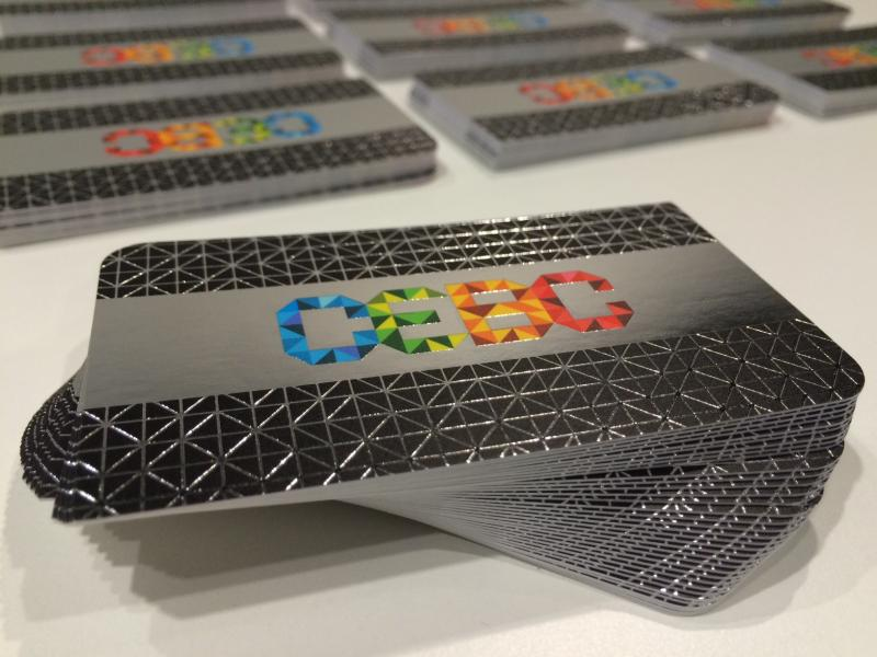 silk-business-cards-with-foil